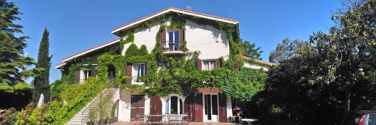 Location De Vacances  Montpellier En Gte Avec Piscine Proche Des