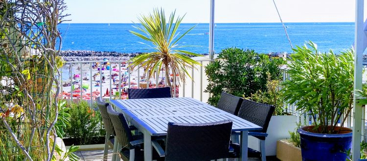 Vue des Terrasses du Front de Mer location de vacances à la semaine ou au mois sur la plage de Palavas